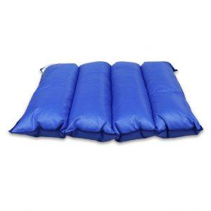 blå dyna med sektioner